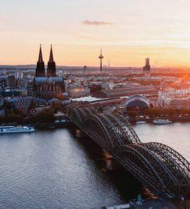 Location de voiture Aéroport de Cologne-Bonn
